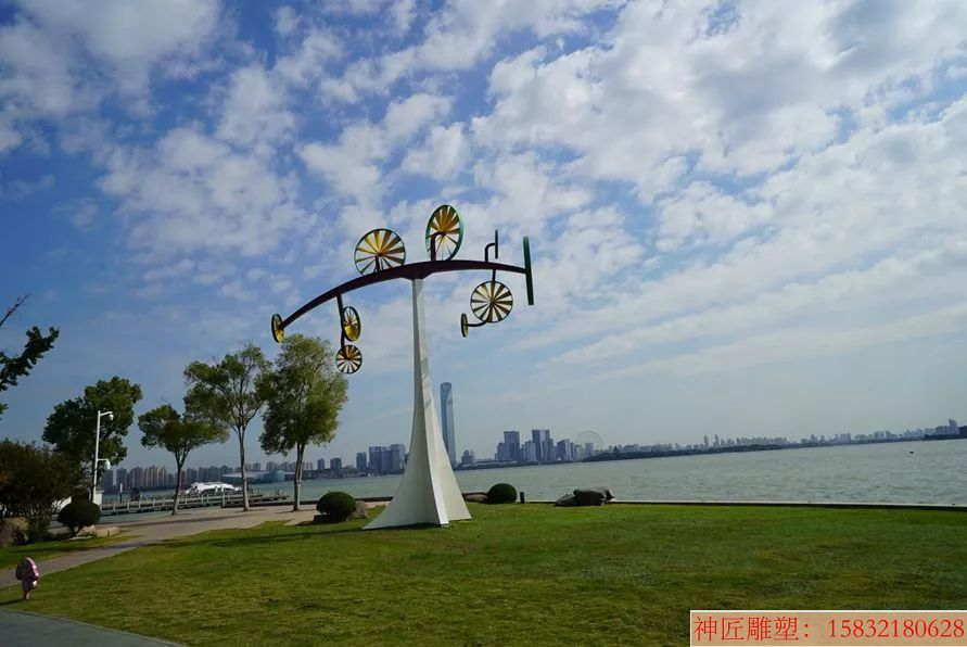 不锈钢风车雕塑创意
