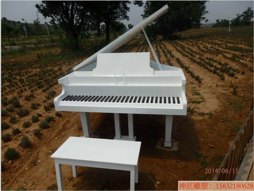 不锈钢钢琴雕塑仿真